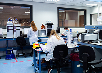 scientists working in the vitablend lab