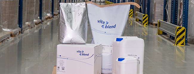 different sizes of vitablend packaging. Bags and boxes.